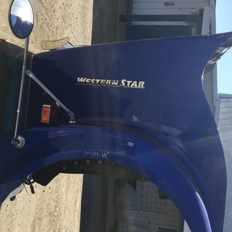 Hood Western Star 4900FA